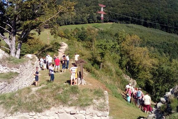 Návštevníci sa zaujímali o obnovené ruiny hradu Šebeš.