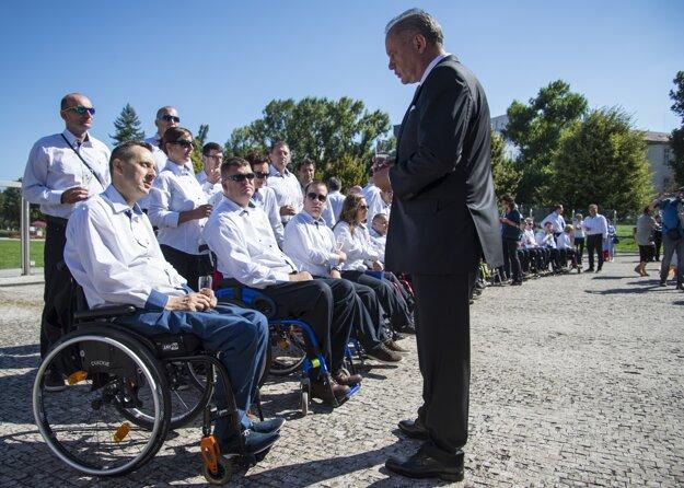 Členovia paralympijského tímu zložili sľub do rúk prezidenta Andreja Kisku.