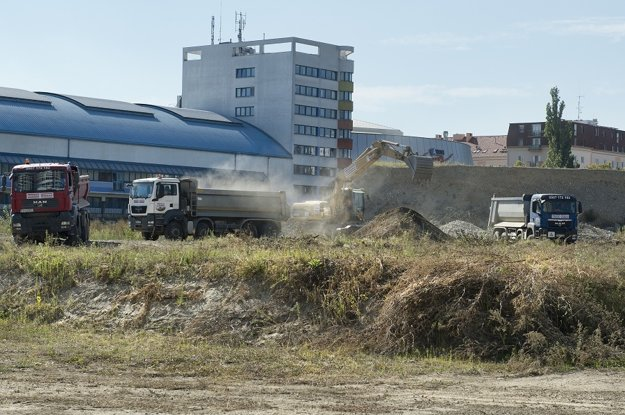 Výstavba Národného futbalového štadióna začala.