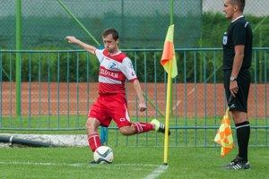 Realizátor rohových kopov. J. Čabala strelil vzápase Giraltoviec so Sninou aj jeden gól.