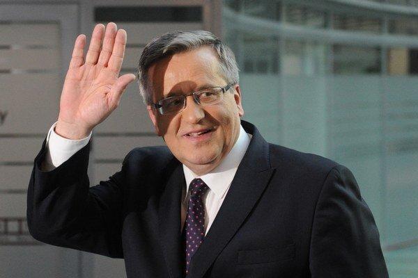 V prvej televíznej debate bol Komorowski úspešnejší.