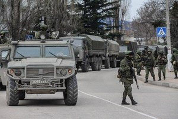 Hovorca ukrajinských síl Andrij Lysenko informoval, že oboch Rusov zadržali príslušníci dobrovoľníckeho práporu Ajdar v meste Ščasťa.
