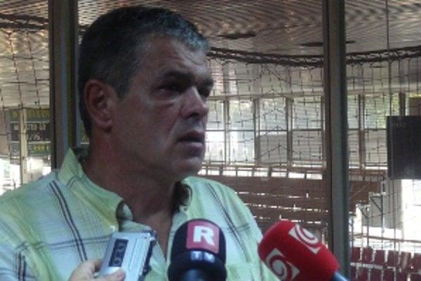 Priebežné prvé miesto nechce prezident klubu Maroš Pavlenda preceňovať.
