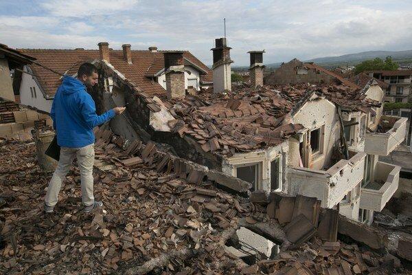 Zničené domy v Kumanove.