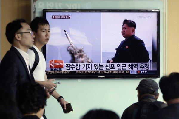 Severná Kórea v sobotu oznámila úspešnú skúšku balistickej rakety odpaľovanej z ponorky.
