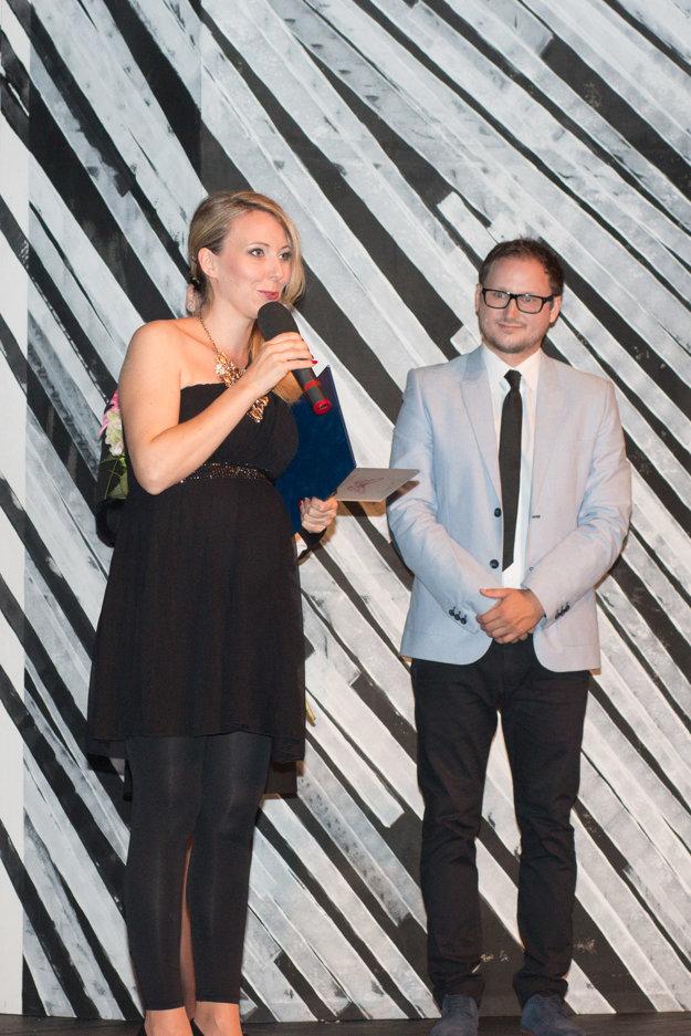 Barbora Špániková, ktorá zvíťazila v kategórii naj herečka, zvolenskú činohru na čas opustí; v novembri odchádza na materskú dovolenku.