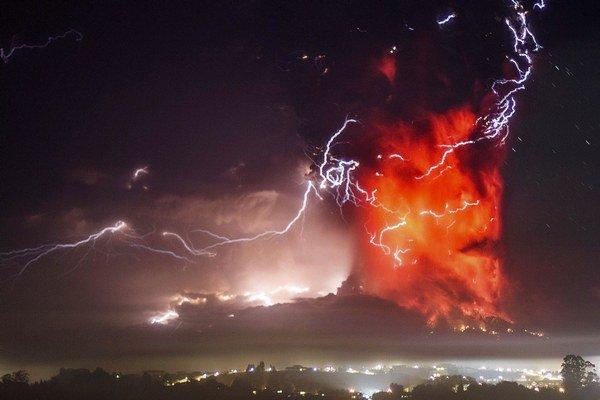 Divoká erupcia vulkánu Calbuco.