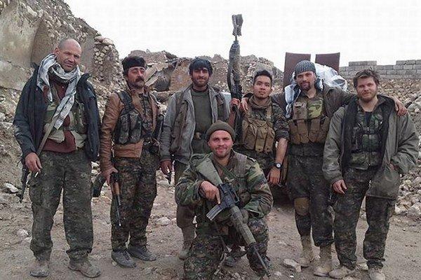 Ku Kurdom sa pridávajú aj Američania.