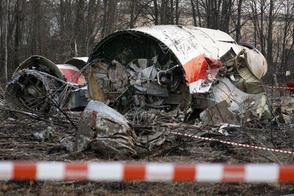 Na archívnej snímke je vrak poľského vládneho lietadla, ktoré havarovalo 10. apríla 2010.