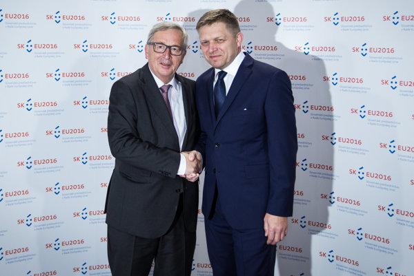 Lídri krajín Únie by sa mali už v Bratislave postaviť proti politizácii Komisie.