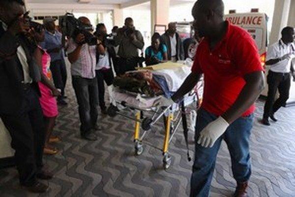 Útočníci z aš-Šabábu zabili pri útoku takmer 150 ľudí a 79 zranili.