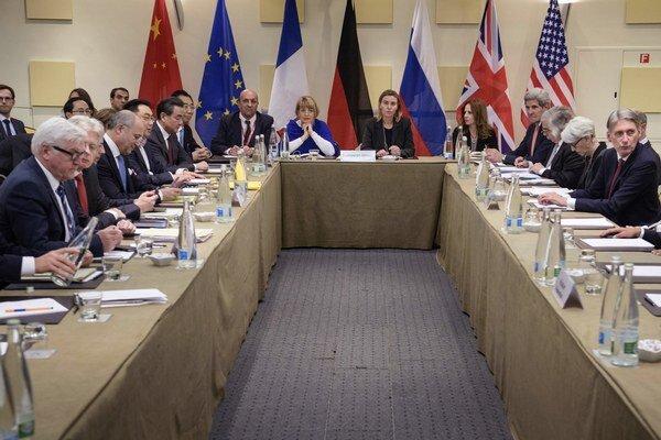 Vyjednávači sa stretli vo švajčiarskom meste Lausanne.