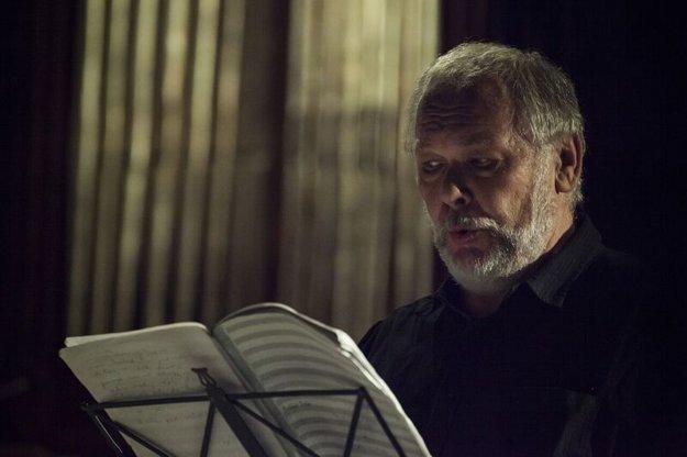 Peter Mikuláš spieva Ivana Kraska.
