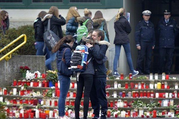 Nemecko spolu s obyvateľmi Halternu smúti za 16 mladými študentmi.