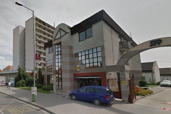 Zákaznícke centrum sa sťahuje do tejto budovy.