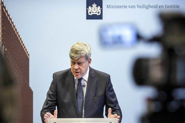 Minister odstúpil pre lož o dohode spred 15 rokov.