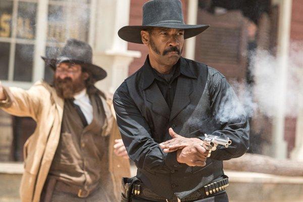 Denzel Washington bojuje za spravodlivosť vo filme Sedem statočných.