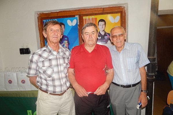 Osobnosti stolného tenisu horného Zemplína. Zľava Pavol Majerník, Štefan Nitkulinec, František Jakubov.
