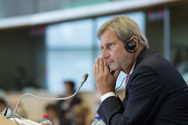 Eurokomisár Johannes Hahn chce zmeny.