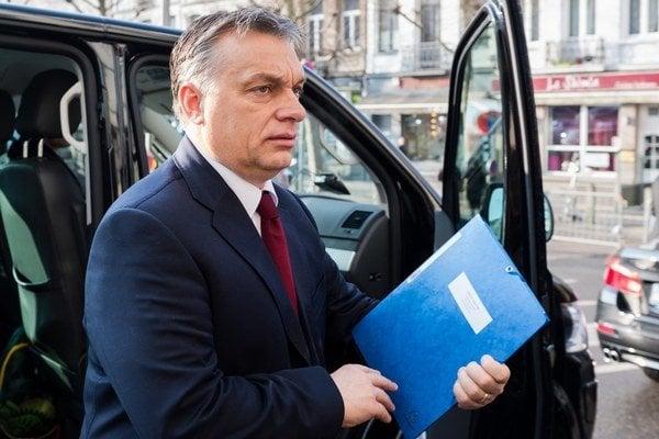 Maďarský premiér Viktor Orbán má po víkende len 131 poslancov v parlamente.