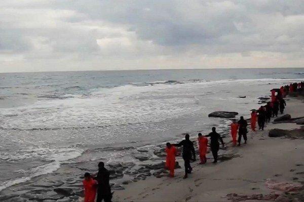 Militanti z Islamského štátu vo februári brutálne zabili unesených koptských kresťanov z Egypta.