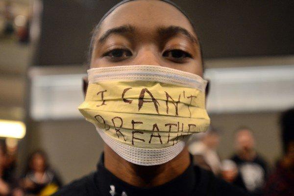 Aj súčasné protesty Afroameričanov proti policajnému násiliu vraj súvisia s dobou, keď lynčovali černochov.