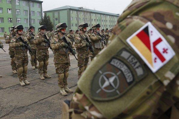 Gruzínski vojaci už cvičia s alianciou.