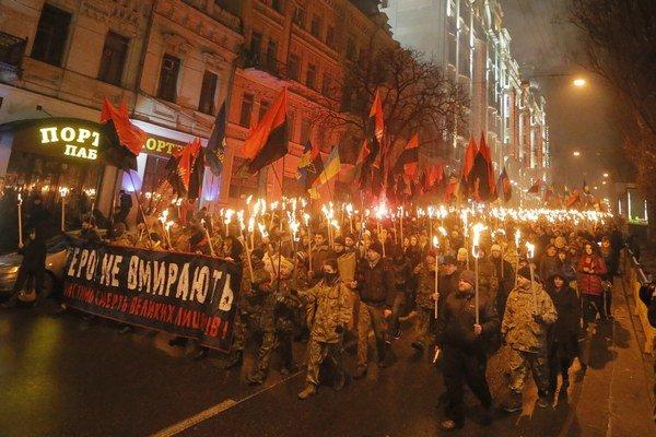 Fakľový pochod v Kyjeve.