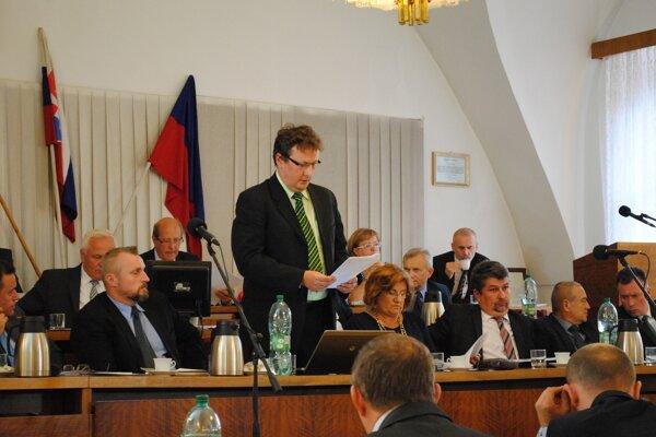 Šéf bardejovskej kasy Miloš Mikula. Jeho návrh zmeny rozpočtu prešiel zastupiteľstvom hladko.