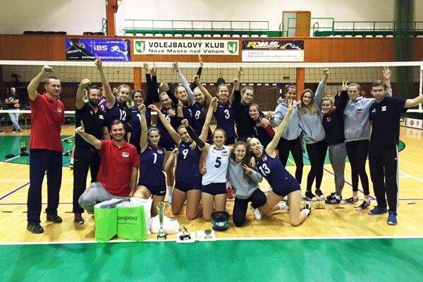 Tím COP Nitra v ligovej generálne zvíťazil na turnaji v Novom Meste nad Váhom.