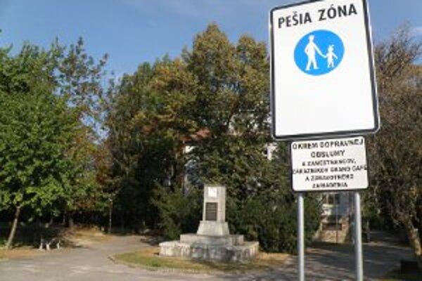 Pešia zóna je na Ulici A. Hlinku v Prievidzi je už pár týždňov.