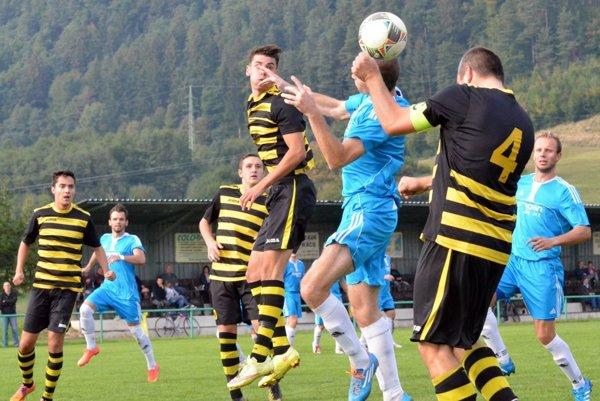 Kapitán martinského béčka Stano Gregor dva góly a minimálne jednému istému zabránil.