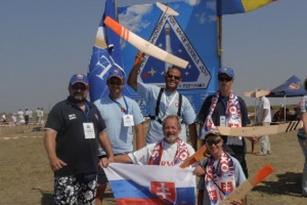 Členovia raketomodelárskeho klubu z Centra voľného času Spektrum zožali na nedávnych majstrovstvách Európy v Rumunsku veľký úspech.