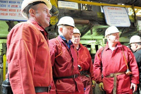 Predseda Smeru Robert Fico v Hornonitrianskych baniach.