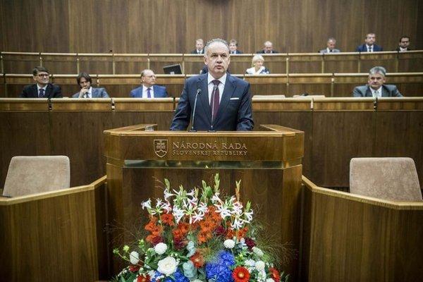 Prezident Andrej Kiska kritizoval vládu za postoj k utečencom.