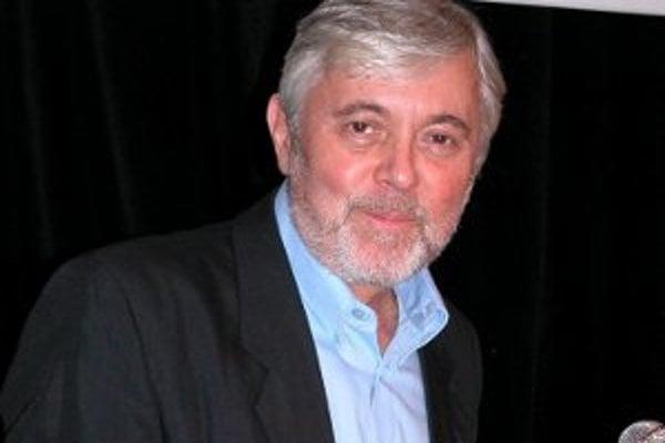 Jozef Abrhám hrá hlavnú úlohu v českom filme Odcházení, ktorý kino Tatra Bojnice premieta v sobotu o 18.30 h.