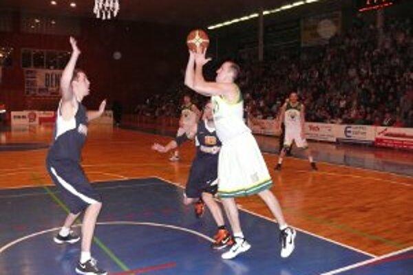 Basketbal v Prievidzi má veľkú divácku podporu.