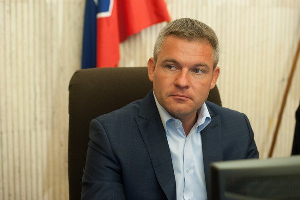 Členovia štátnej komisie zložili 25. augusta sľub do rúk predsedu parlamentu Petra Pellegriniho.
