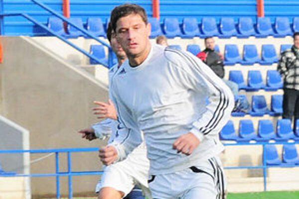 Juraj Pekár hrá za A mužstvo FC Baník Horná Nitra.