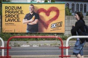 Bude sa Juraj Miškov usmievať aj po voľbách?
