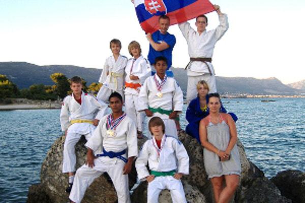 Džudisti TJ Sokol Prievidza si vybojovali v Splite osem medailí.