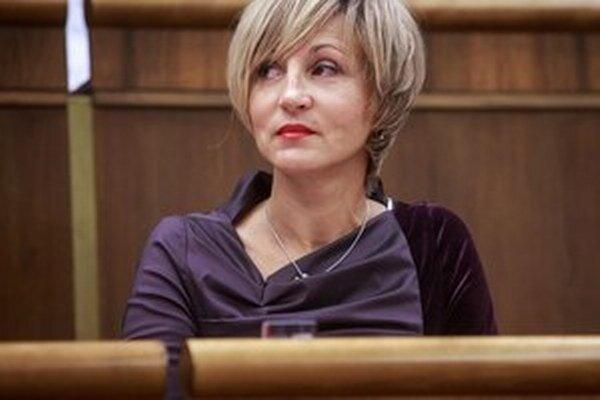Billboardy by podľa poslankyne NR SR Renáty Zmajkovičovej nemali byť nástrojom politického dialógu.