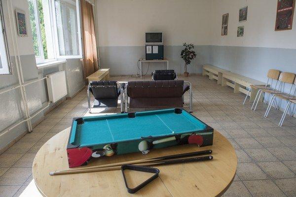 Spoločenská miestnosť v Pobytovom tábore v Rohovciach.