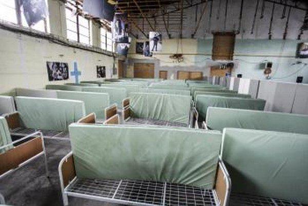 V zrekonštruovanej časti pribudli nové postele, sprchy aj komunitné miestnosti.