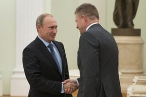 Robert Fico sa v Moskve stretol s ruským prezidentom Vladimírom Putinom.