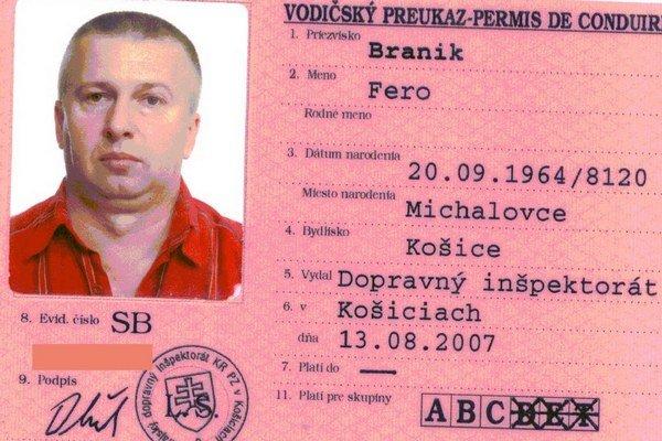 Matík mal počas zadržania v Srbsku pri sebe falošné doklady.