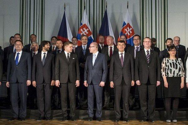 Premiér Robert Fico s českým premiérom Bohuslavom Sobotkom rokovali na zámku vo Valticiach aj o pláne na prepojenie riek Labe, Odra, Dunaj.