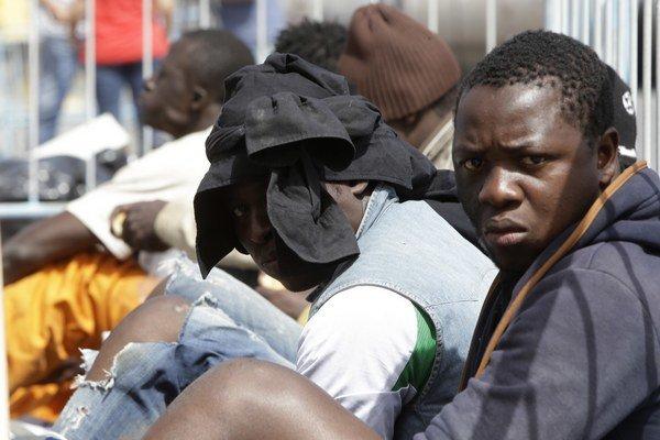Imigranti majú byť prerozdelení medzi členské štáty na základe stanovených kvót.