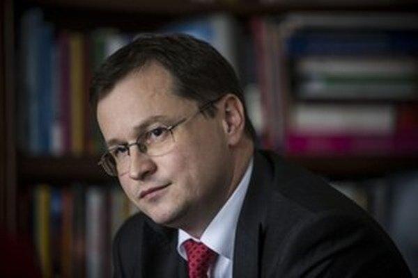 Tzv. antibyrokratická jednotka, ktorú vymenoval minister školstva Juraj Draxler, chce znížiť zbytočnú administratívu v školách.