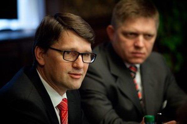 Marek Maďarič so svojím predsedom, ktorému má viesť kampaň.